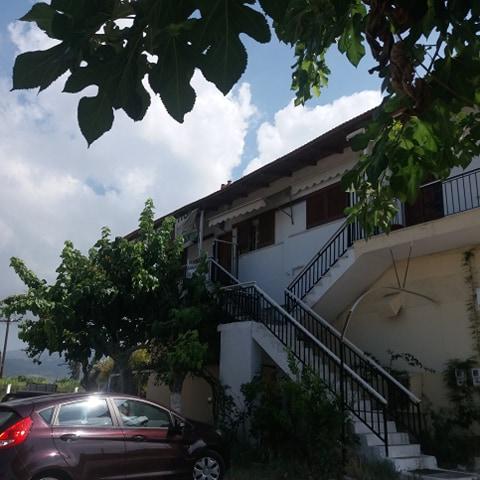 Πωλείται διαμέρισμα τριάρι 76,5τμ δίπλα στο Νοσοκομείο Μεσολογγίου
