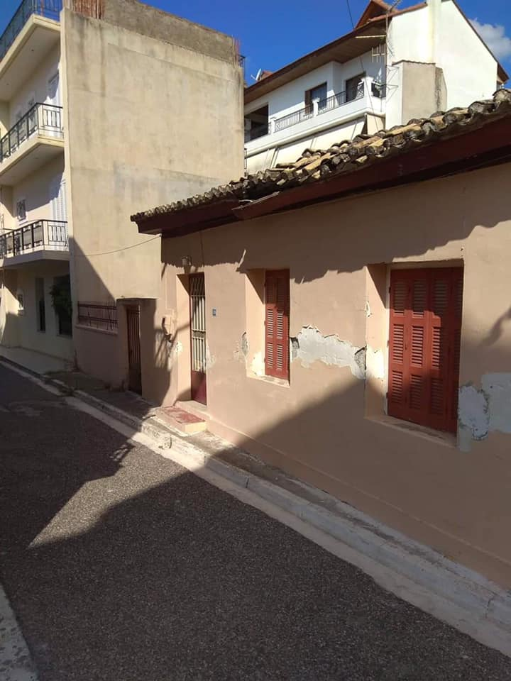 Πωλείται Οικόπεδο με παλιά οικία στο κέντρο του Μεσολογγίου