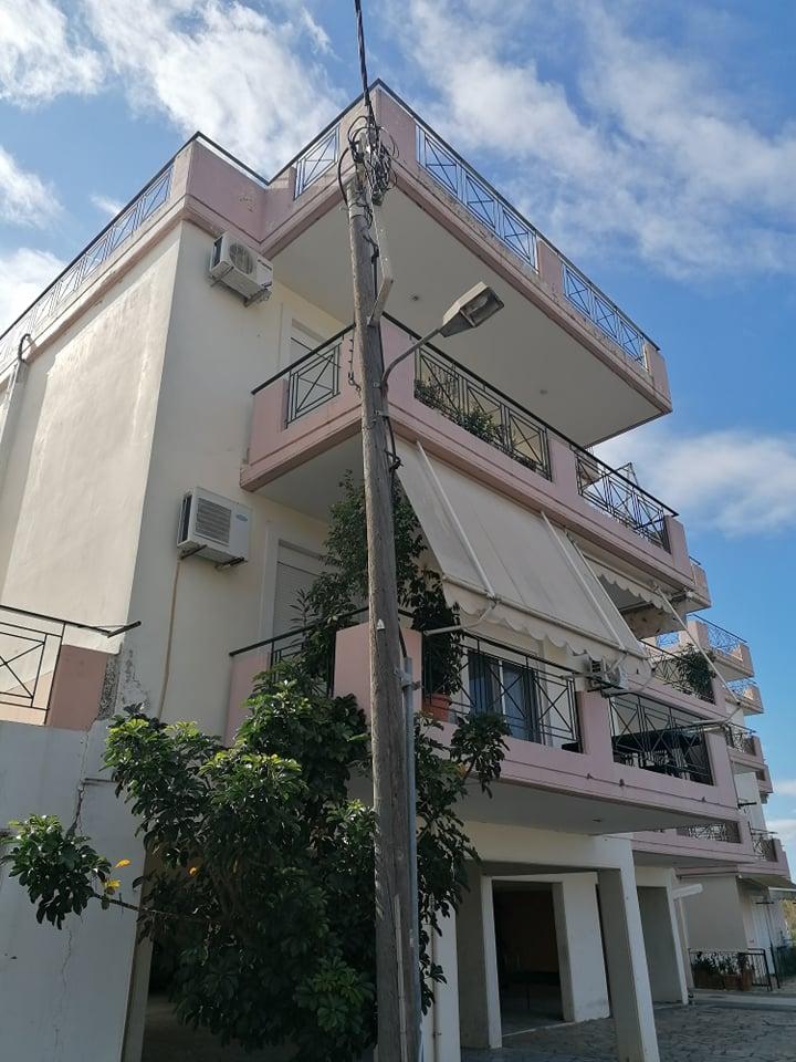 Πωλείται οροφοδιαμέρισμα τριάρι 82τμ στο Μεσολόγγι