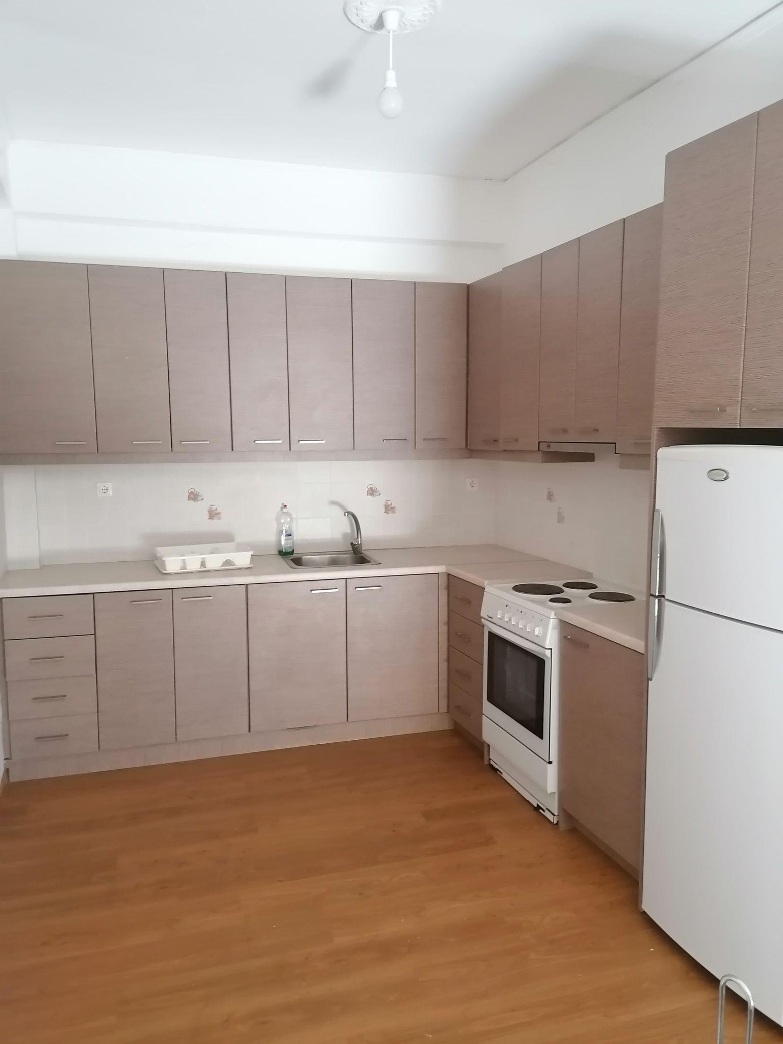 Ενοικιάζεται διαμέρισμα τριάρι 80τμ επιπλωμένο στο κέντρο του Μεσολογγίου